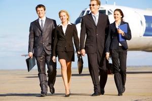 Οι τρόποι , η συμπαθητικότητα , η ελκυστικότητα καθορίζουν τον βαθμό επαγγελματικής επιτυχίας  κάθε ανθρώπου .
